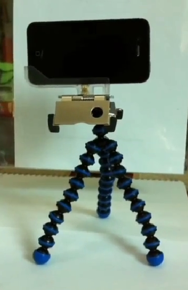 Testing a Mini Tripod Mount for the iPhone 4