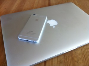 iPhone 6 Silver on MacBook Pro Silver