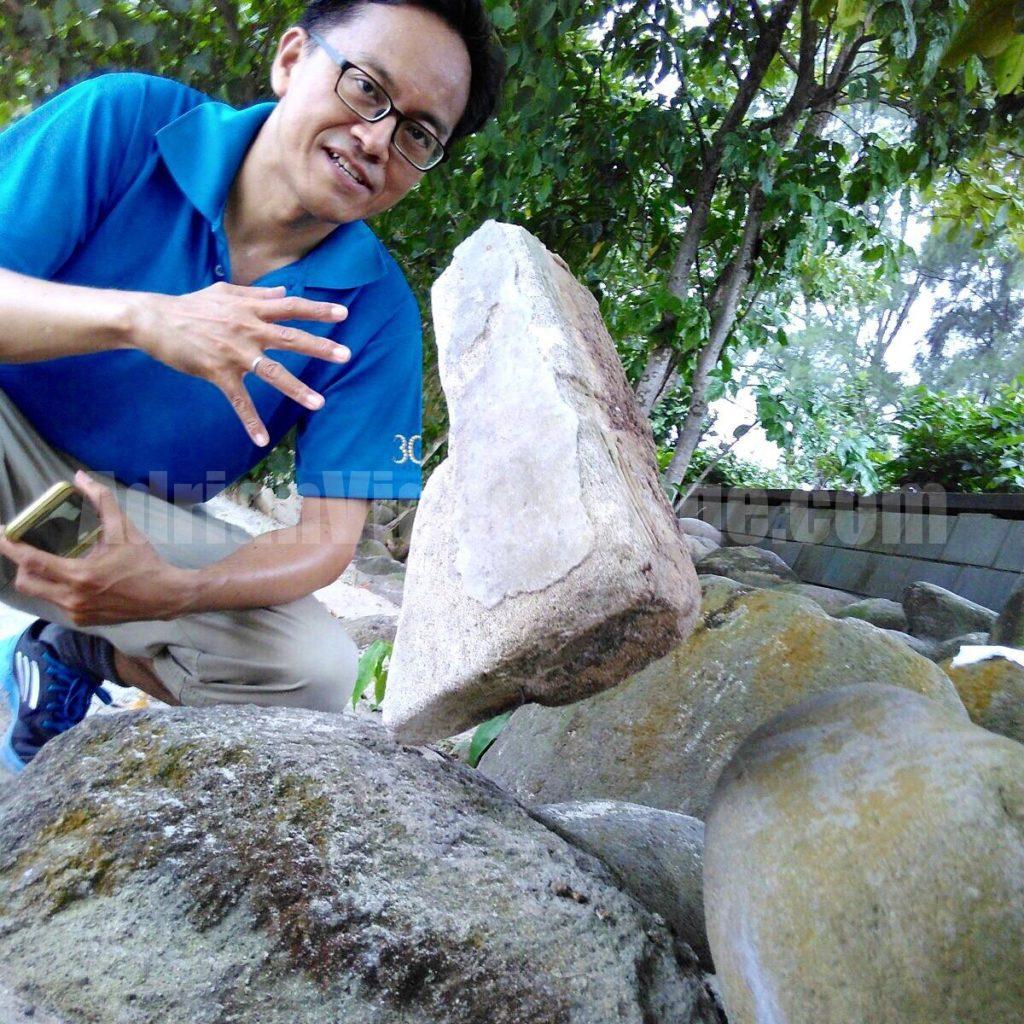Adrian Lee the rock balancing artist in Singapore